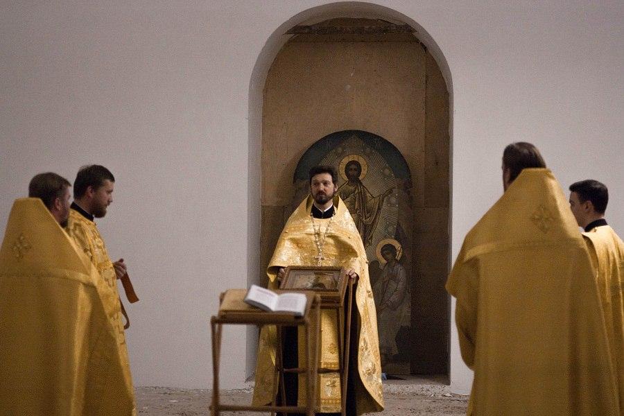 Молебен святителю Николаю в храме Воскресения Словущего в Барашах