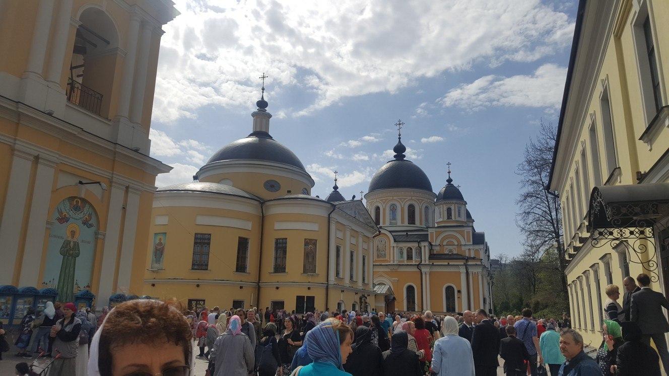 Патриаршее Богослужение в день памяти Матроны Московской.