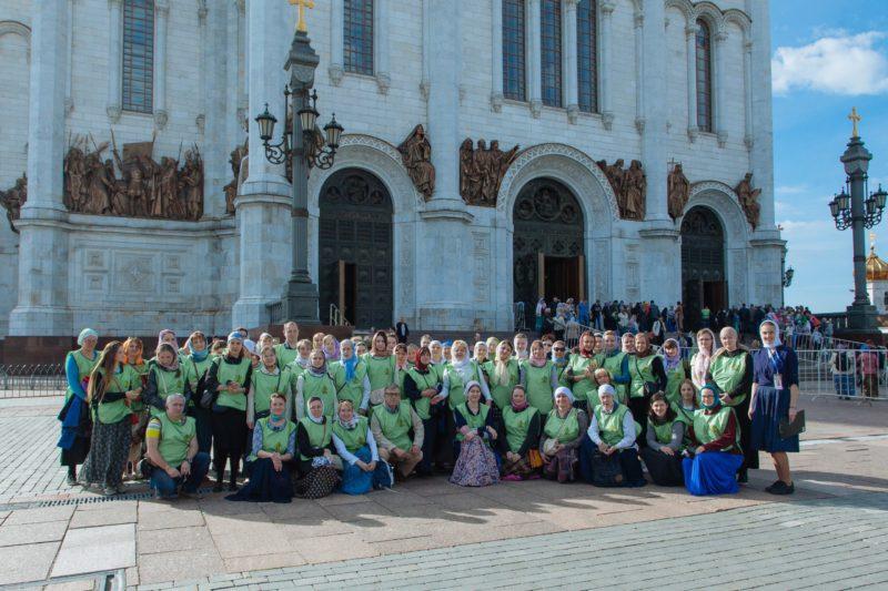 Фотоотчеты православных добровольцев о дежурстве у мощей святителя Николая