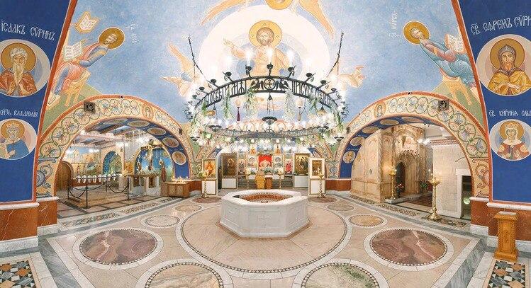 Добровольцы Зак Жизнь - в одном из красивейших храмов Москвы