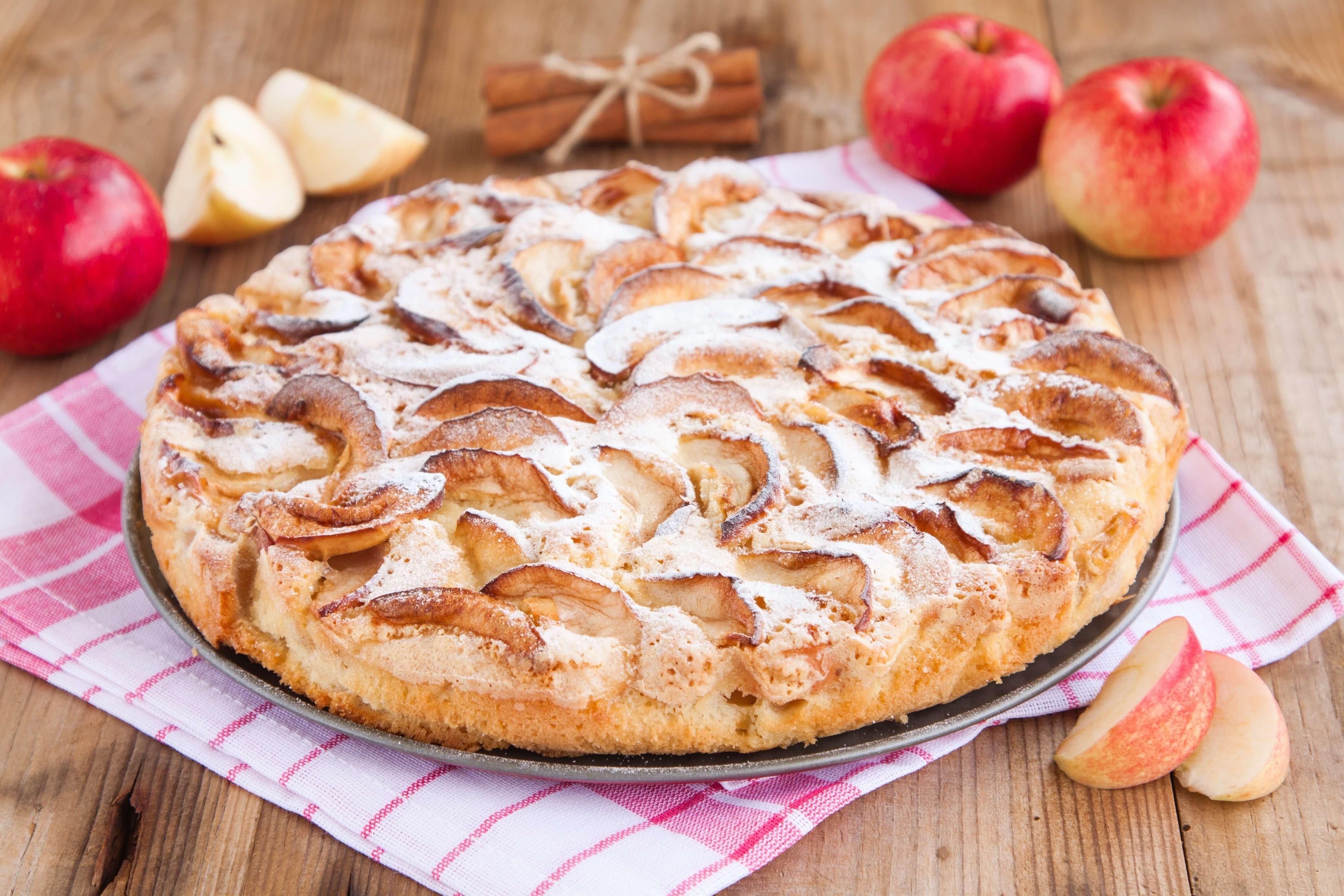 Диетическая шарлотка с яблоками и грушами рецепт пошагово в духовке