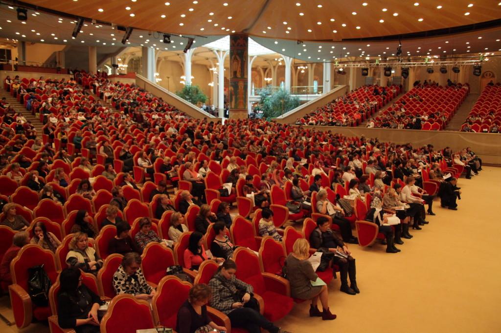Помощь добровольцев на Конференции учителей ОПК