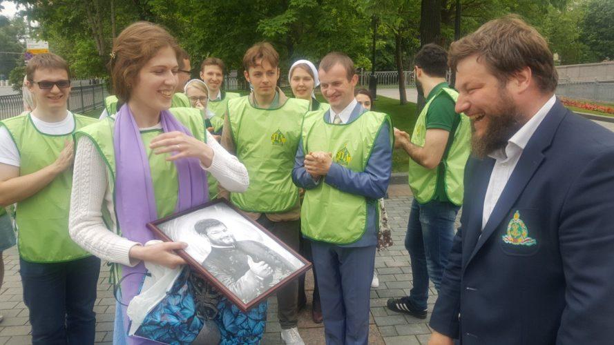 Фотоотчет. Православные добровольцы со всей страны трудятся вместе