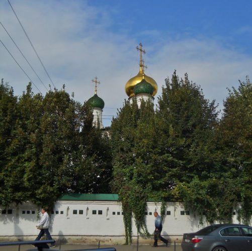 Оазис покоя и тишины в центре Москвы под покровом Владимирской иконы Божией Матери